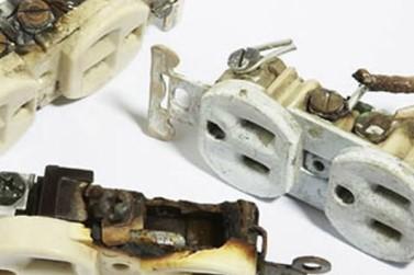 broken duplex receptacles